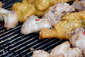 Marinierte Chicken Wings auf dem Grill
