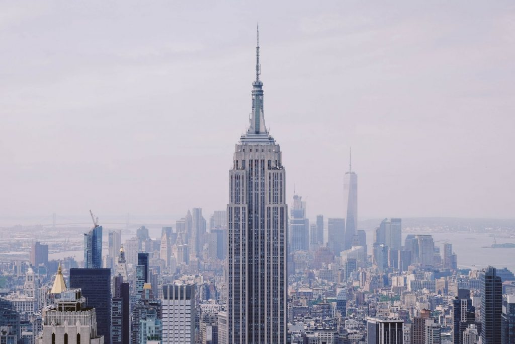 Empire State Building im Nebel